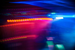 Undeutlicher abstrakter bunter farbiger Hintergrund in einem Nachtclub Stockfoto
