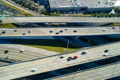 Undeutliches Autoauf Landstraßenluftbrummenbild schnell fahren Lizenzfreies Stockbild