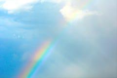 Undeutliches Bild - Regenbogen im Himmel Stockbilder