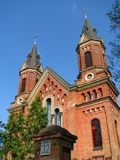 Une église catholique antique dans une province dans les sud de l'Ukraine images libres de droits