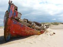 Une épave de bateau au point de corneilles Photos libres de droits
