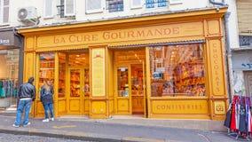 Une épicerie fine de biscuit et de sucrerie dans Montmartre Photo libre de droits