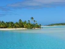 Une île de pied, îles Cook photographie stock libre de droits