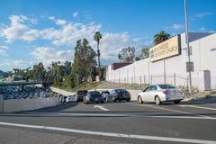 Une autoroute sur la sortie de rampe à Los Angeles Photos libres de droits