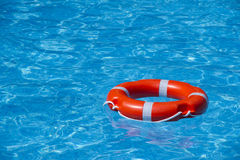 Une balise sur l'eau Photo stock