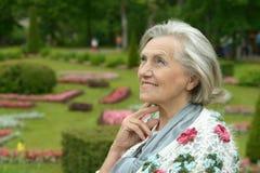 Une belle femme d'une cinquantaine d'années Photo libre de droits