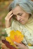 Une belle femme d'une cinquantaine d'années Image libre de droits