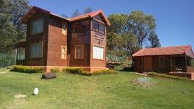 Une belle maison en bois Photographie stock libre de droits