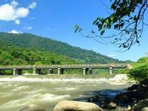 Une belle rivière de Palu pendant la saison des pluies image libre de droits