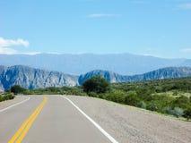 Une belle vallée des montagnes par le Ruta 40 Mendoza Argentine Photo libre de droits