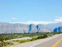 Une belle vallée des montagnes par le Ruta 40 Mendoza Argentine Image libre de droits