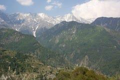 Une belle vue de la chaîne de montagne de Dhauladhar photographie stock