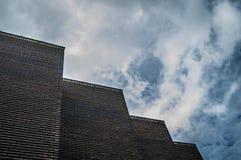 Une bibliothèque moderne située dans la Suède images libres de droits