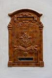 Une boîte rouillée antique de courrier Images libres de droits