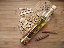 Une bouteille d'huile d'olive Photographie stock