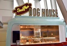 Une boutique de hot dog Image libre de droits