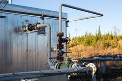 Une cabane de tête de puits de gaz naturel Images stock