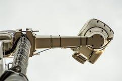 Une caméra d'application de vitesse du trafic image libre de droits