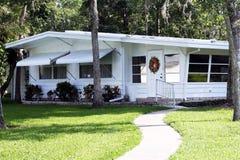 Une caravane résidentielle plus ancienne Image libre de droits