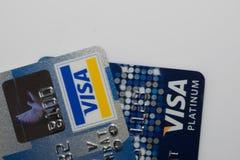 Une carte de crédit haute plus étroite Photos stock