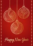 Une carte de vecteur de salutation de bonne année sur le fond rouge de gradient Boules et rubans brillants d'or tirés par la main Image stock