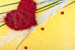 Une carte de voeux avec le coeur et la fronde rouges photo libre de droits
