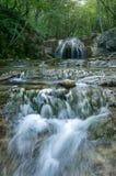 Une cascade de belles cascades en gorge haphal Péninsule criméenne Horizontal tropical photo stock