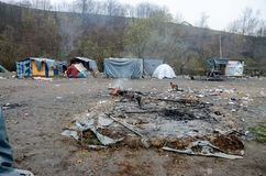 Une catastrophe humanitaire dans le réfugié et les migrants campent en la Bosnie-Herzégovine La crise migratrice européenne Route images stock