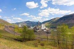 Une centrale à charbon dans le Canada du nord images libres de droits