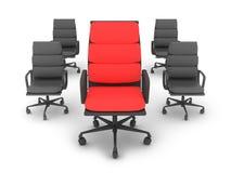 Une chaises rouges et quatre noires Photographie stock