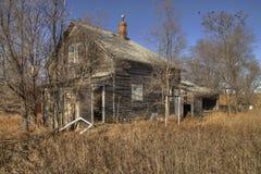 Une Chambre abandonnée de ferme dans le pays agricole rural du Dakota du Sud perd contre aux éléments Photo libre de droits