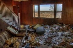Une Chambre abandonnée de ferme dans le pays agricole rural du Dakota du Sud perd contre aux éléments Photographie stock