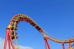 Une conduite de montagnes russes au parc d'attractions à Vienne Photos libres de droits