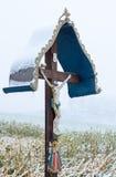 Une croix en bois de bord de la route Image libre de droits