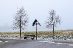 Une croix en bois de bord de la route Photo libre de droits