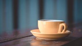 Une cuvette de café chaud images libres de droits