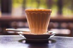 Une cuvette de café chaude images stock