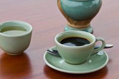 Une cuvette de café express chaud Photographie stock