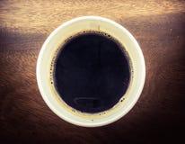 Une cuvette de café noir Photographie stock