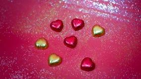 Une décoration de valentine avec du chocolat et d'autres Image stock