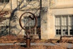 Une de beaucoup de sculptures conceptuelles vues pour les raisons, Art Gallery commémoratif, Rochester, New York, 2017 images stock