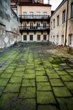 Une de cours célèbres d'université de Vilnius images stock