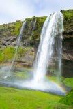 Une des centaines d'eau tombe en Islande Images libres de droits