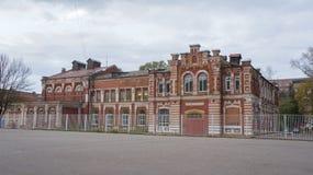 Une des maisons dans le complexe historique et architectural Photographie stock libre de droits