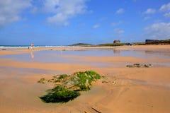 Une des meilleures plages dans la plage BRITANNIQUE les Cornouailles de Fistral photo stock