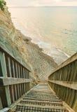 Une descente raide vers la mer, péninsule de Whangaparaoa, Aockland, Nouvelle-Zélande Photographie stock