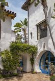 Une entrée lumineuse en Santa Barbara photographie stock