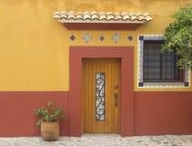 Une façade typique de la ville d'Oaxaca Photo libre de droits