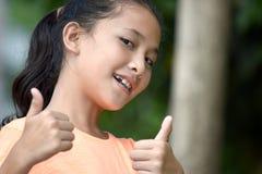 Une femelle adolescente fi?re photographie stock libre de droits