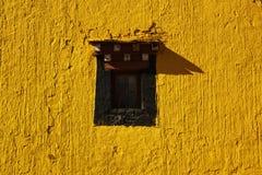Une fenêtre dans un temple Photographie stock libre de droits